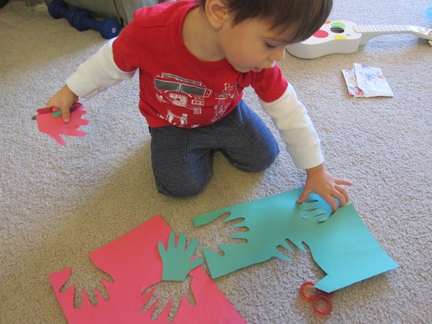 handprint-wreath-2