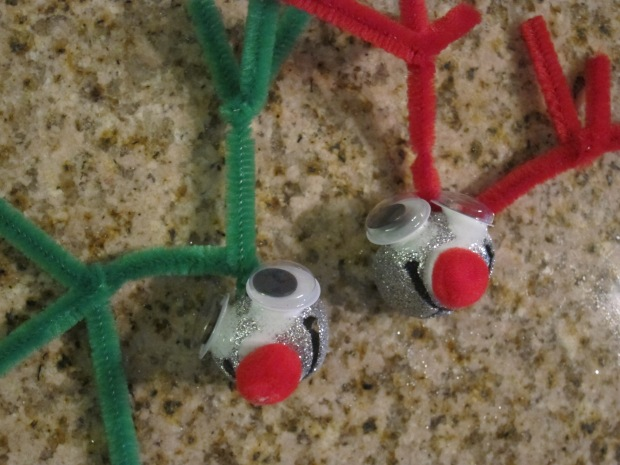 Reindeer Necklace (4)
