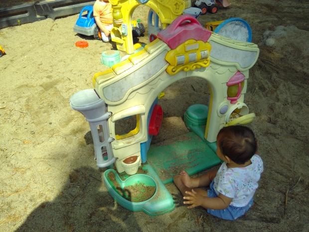 Trip to Playground (3)