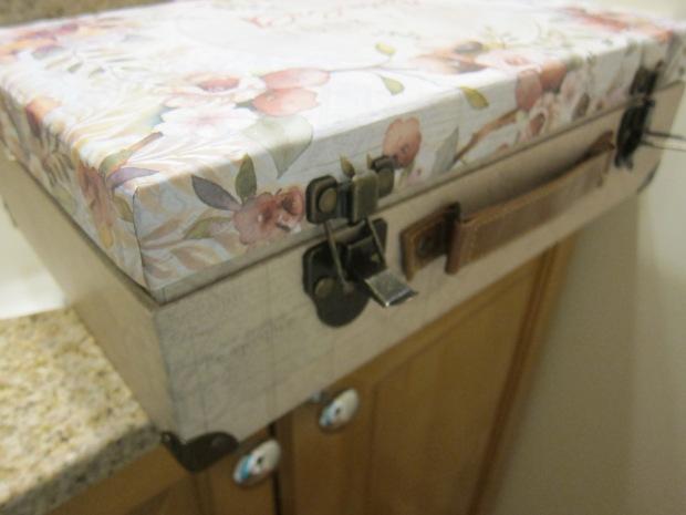 Suitcase Sandbox (7)