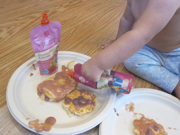 Decorating Pancakes (11)