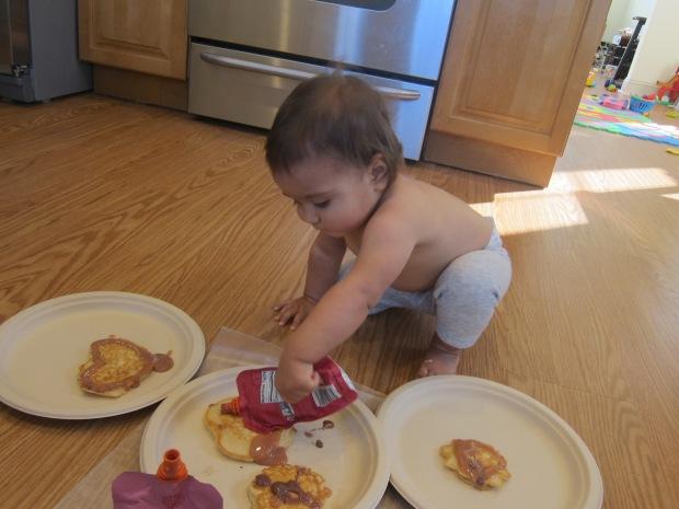 Decorating Pancakes (8)