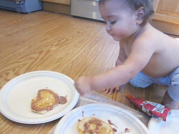 Decorating Pancakes (9)
