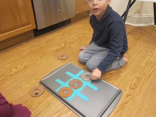 Tic Tac Donut (8)