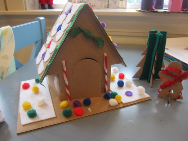 GIngerbread House (9)