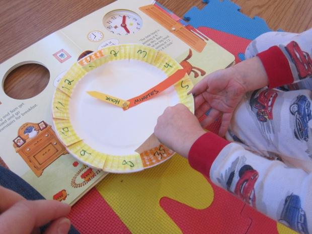 Paper Plate Clock (5)