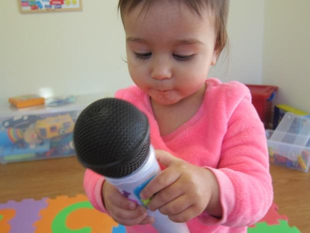 Little Performer (1)