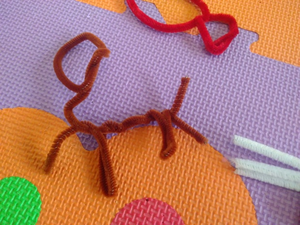 Pipe Cleaner Sculpture (4)
