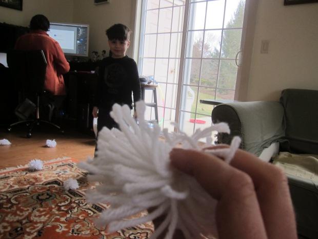 Yarn Snowballs (9)