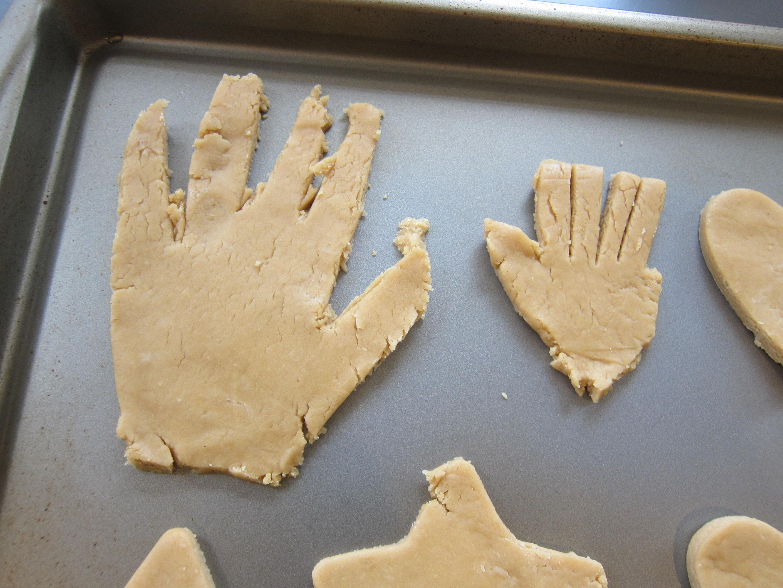 Handprint Cookies (4)