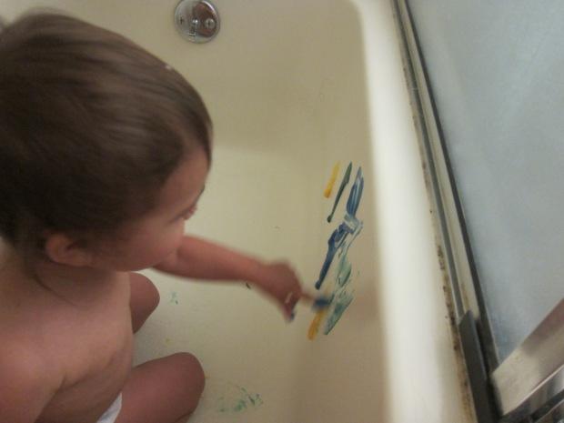 Bathtub Fingerpainting (2)