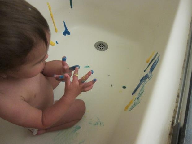 Bathtub Fingerpainting (3)