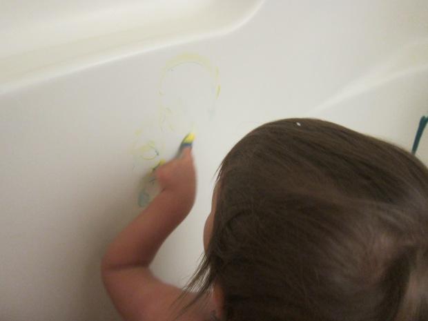 Bathtub Fingerpainting (4)