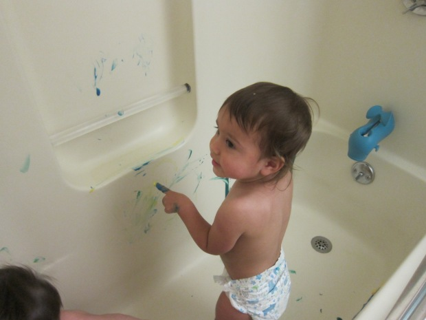 Bathtub Fingerpainting (6)