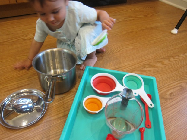 Measuring Cup Play (1)
