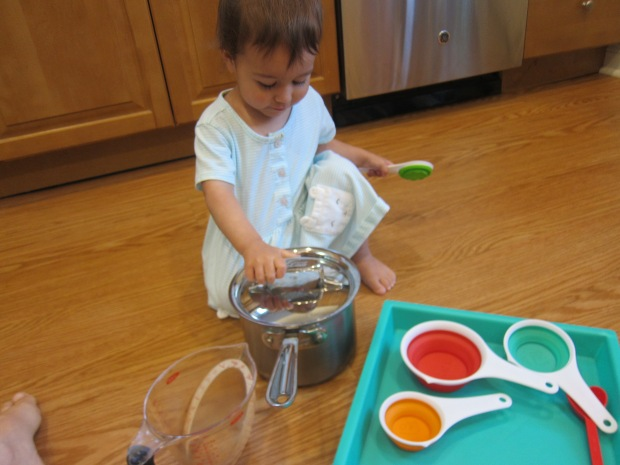 Measuring Cup Play (2)