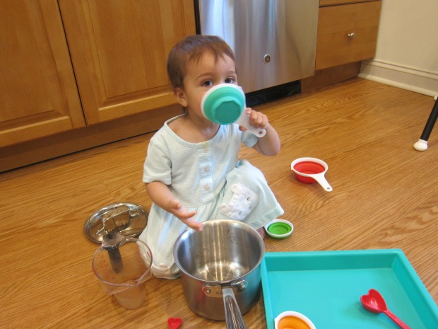 Measuring Cup Play (5)