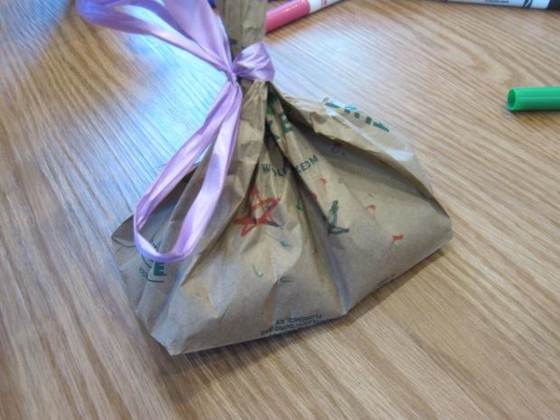Paper Bag Shaker (2)