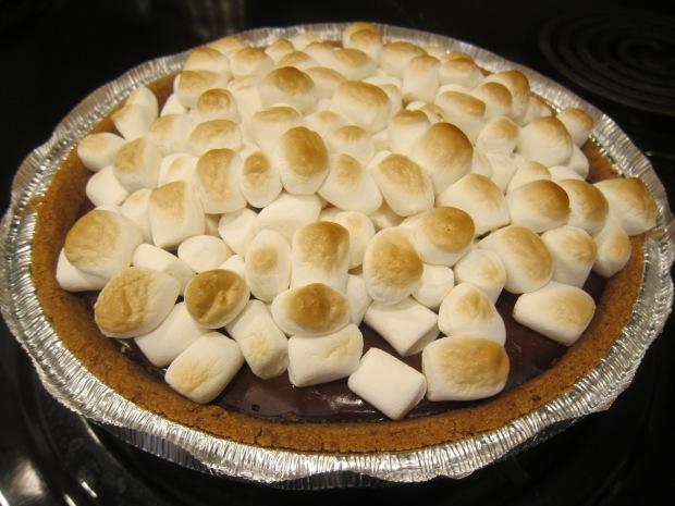 Campfire Smores Pie (6)