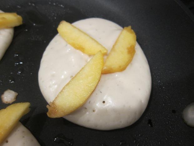 Vegan Peach Pancakes (3)