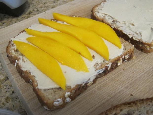 Hummus Mango Sandwich (1)