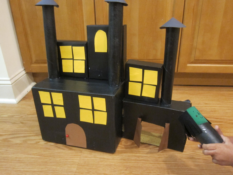 Cardboard Haunted House (10)