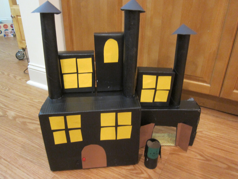 Cardboard Haunted House (8)