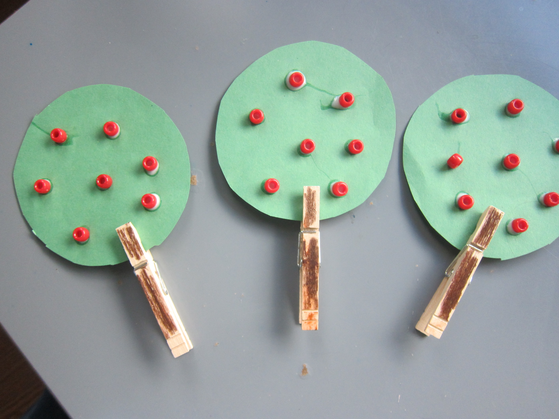 Clothespin Apple Tree (8)