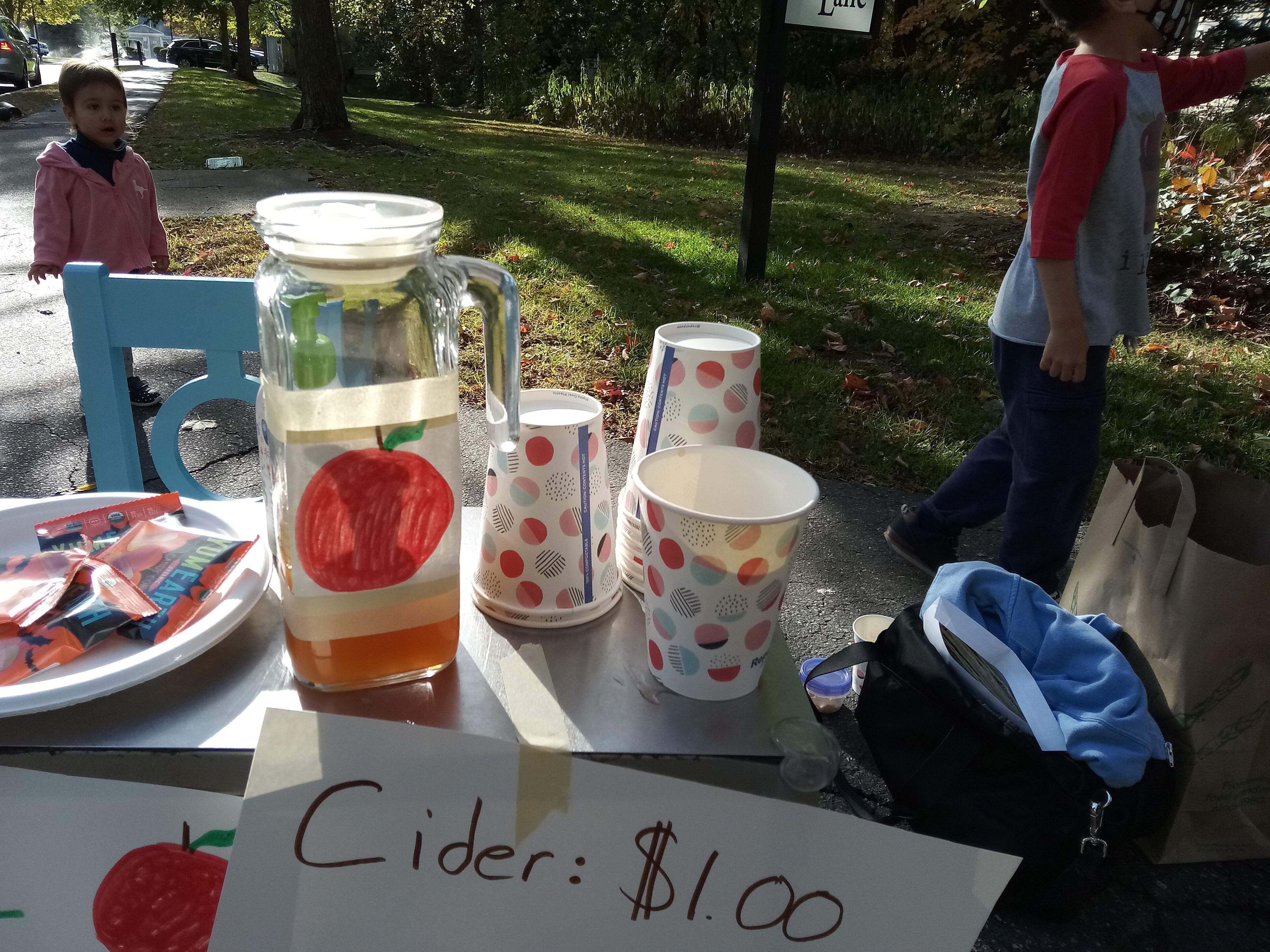 Apple Cider Stand (7)