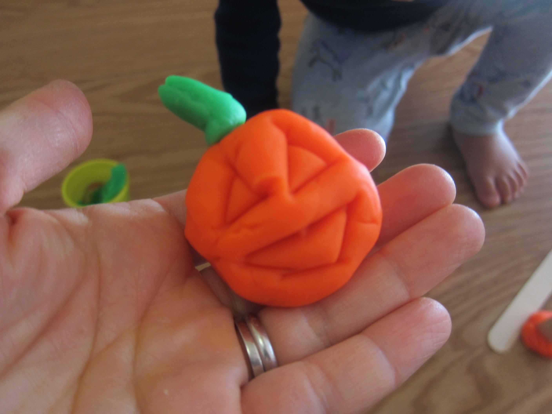 Halloween 11 Playdough Pumpkins (2)