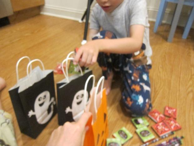 Halloween 23 Boo Bags (4)