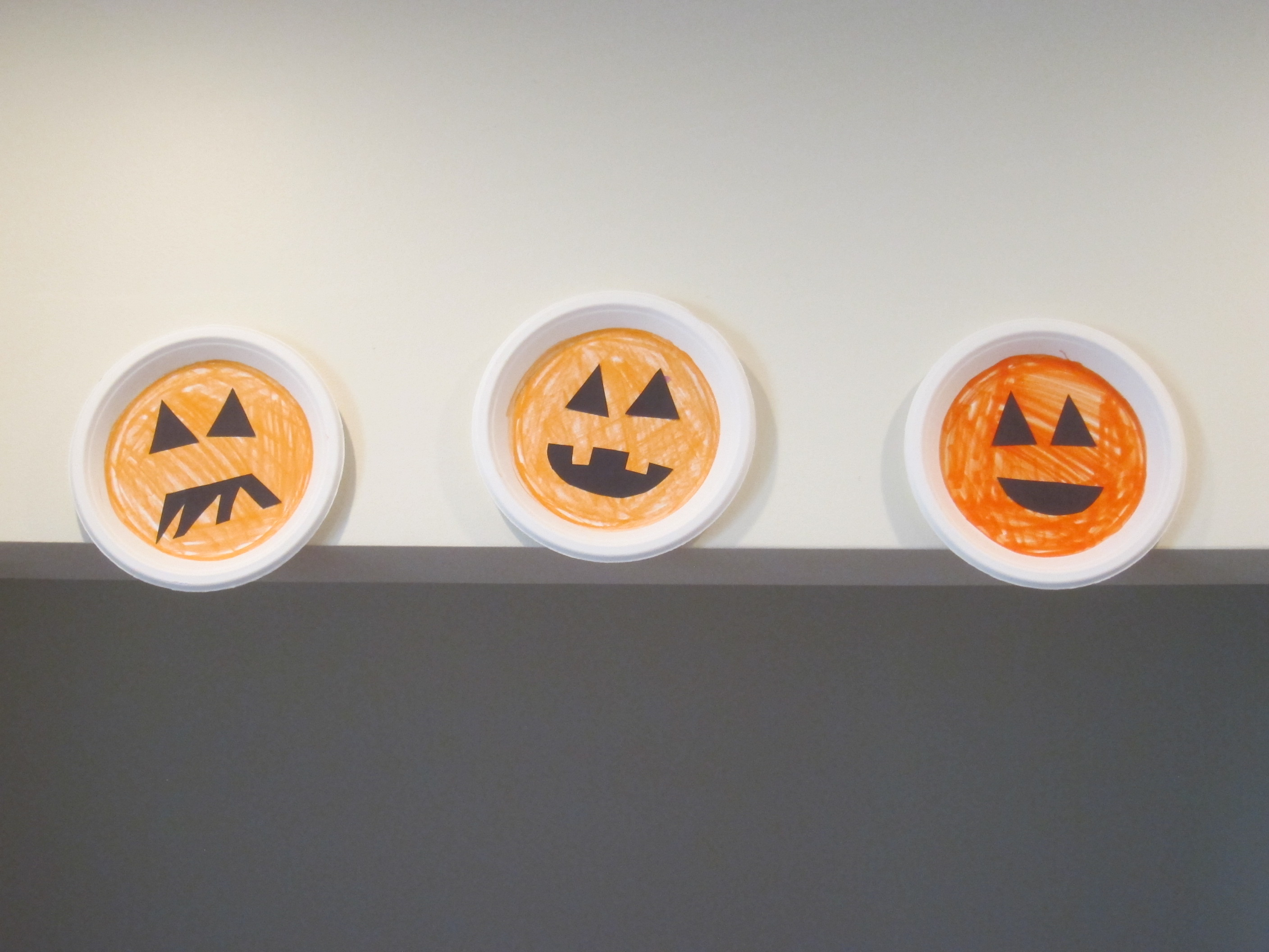 Halloween 3 Cute Paper Plates (5)