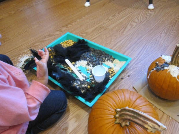 Sensory Pumpkin Decorating (5)
