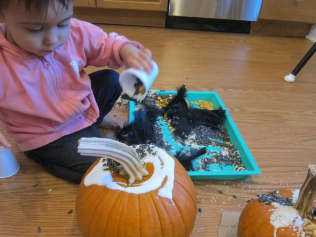 Sensory Pumpkin Decorating (7)