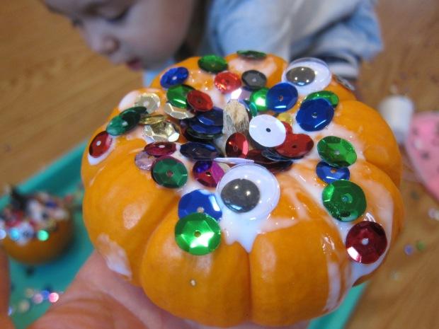 Sparkly Googly Pumpkins (5)