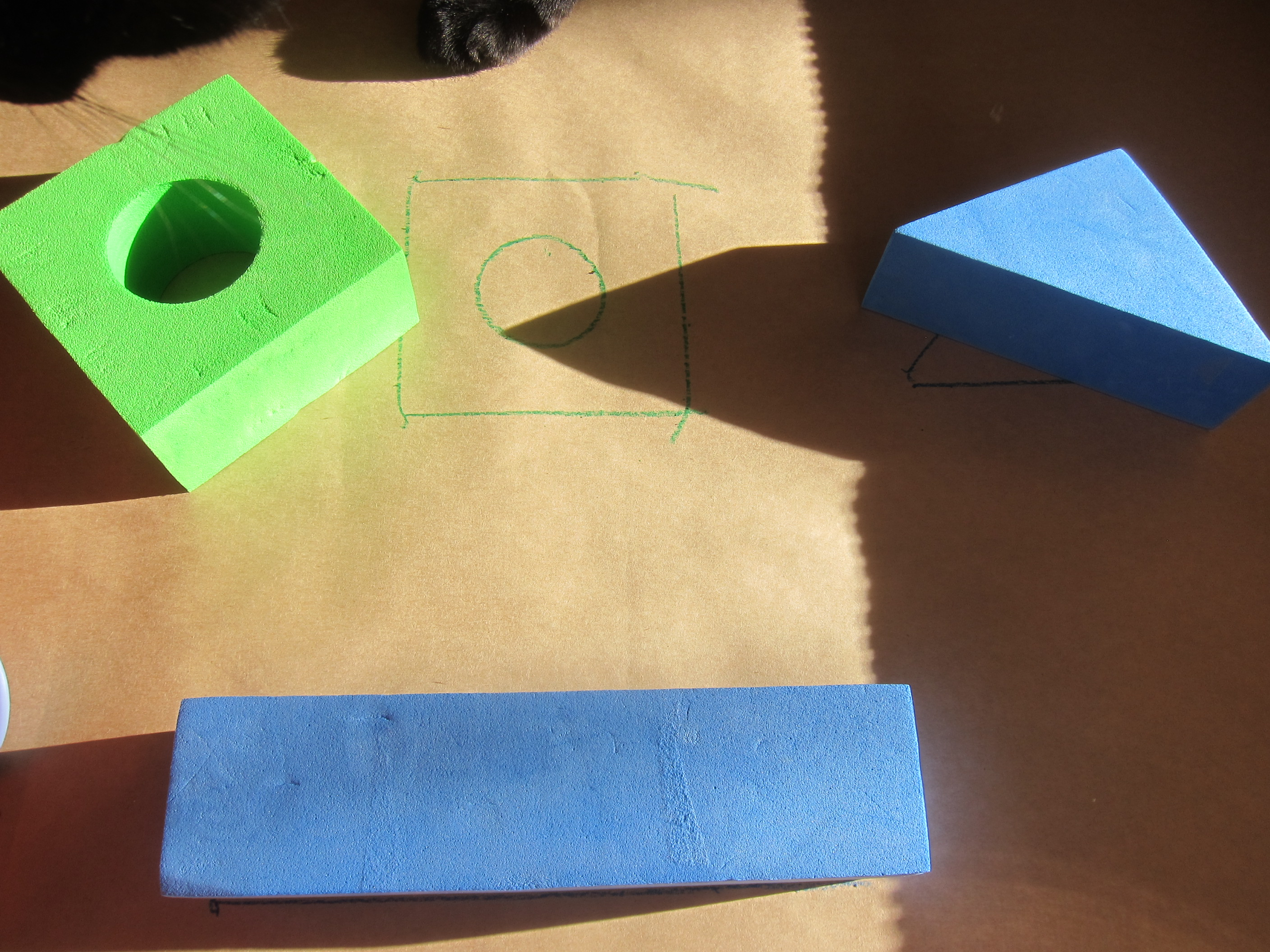 Block Learning Shape and Color (2)