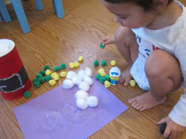 Cotton Ball Snowman Craft (8)
