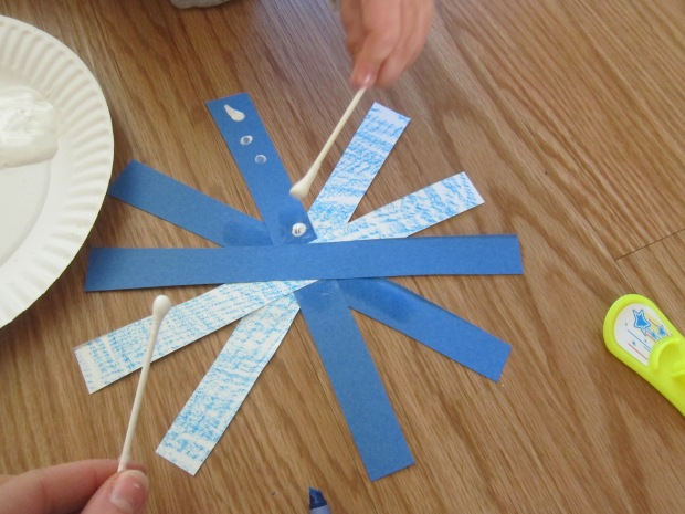 Easy Snowflake Craft (2)