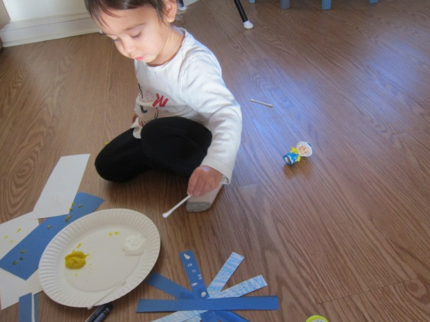 Easy Snowflake Craft (3)