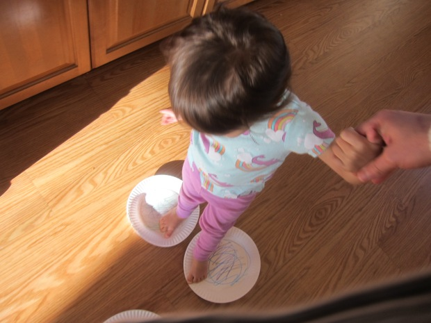 Paper Plate Skating (4)