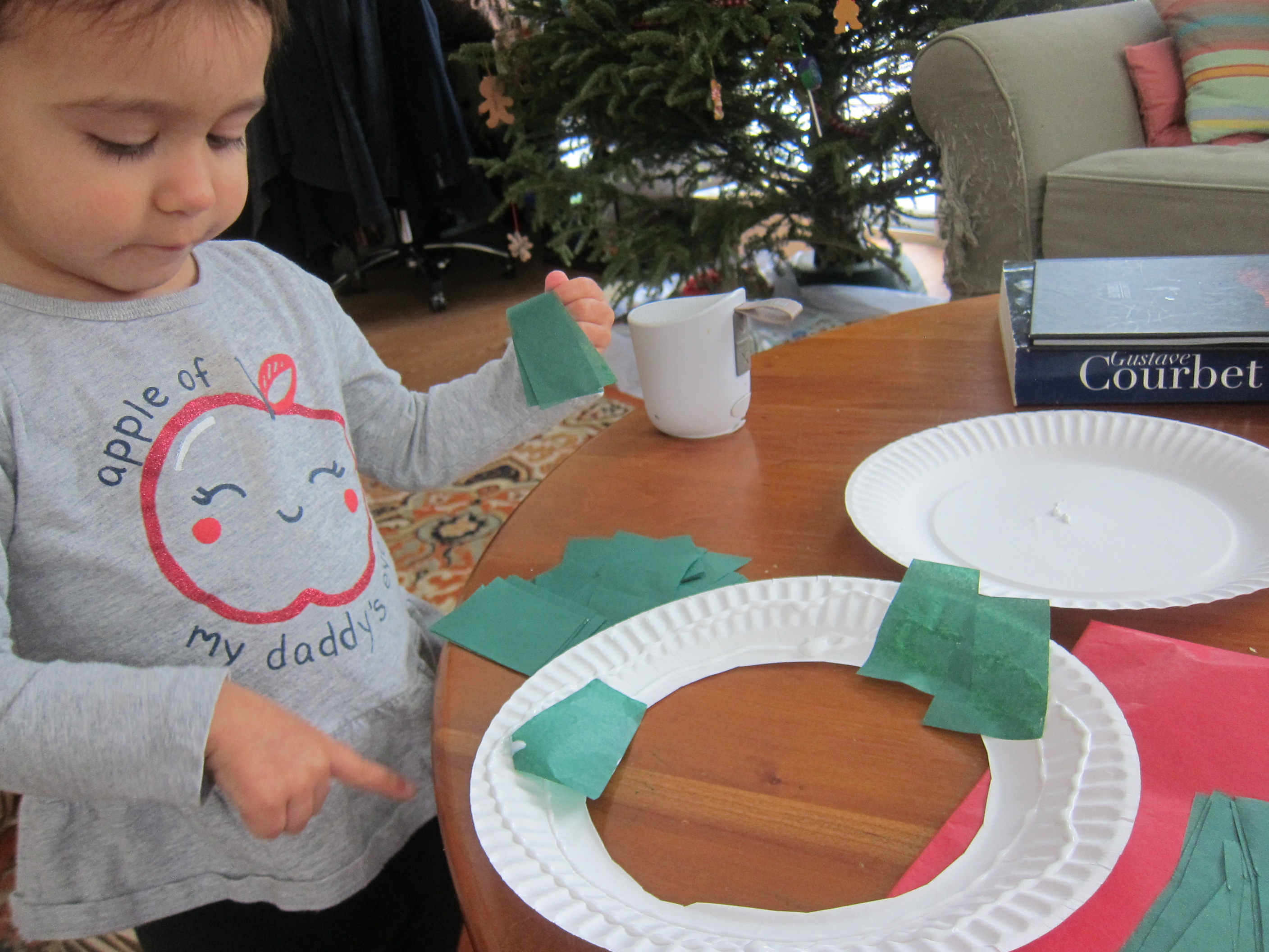 Paper Plate Wreath (2)