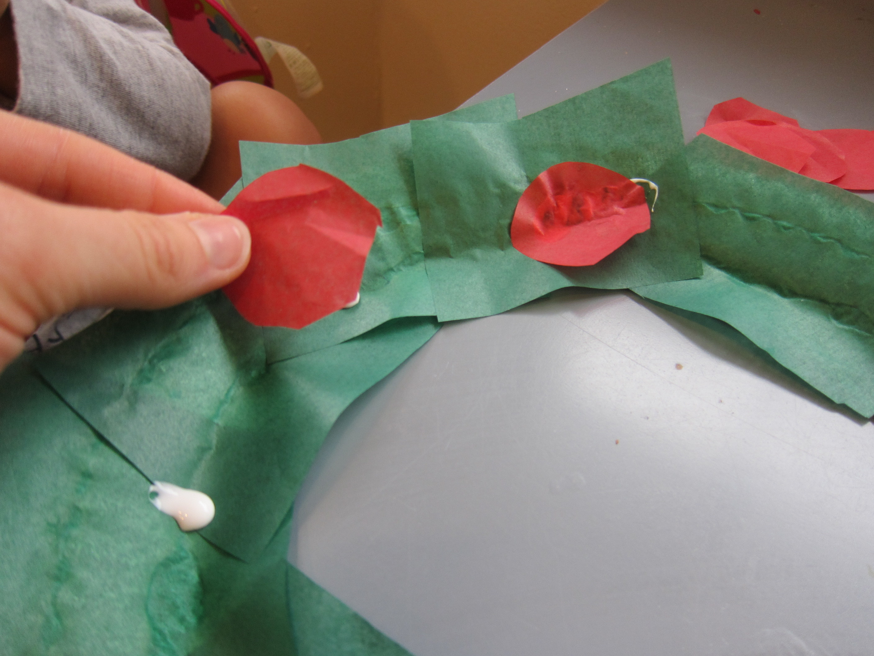 Paper Plate Wreath (4)
