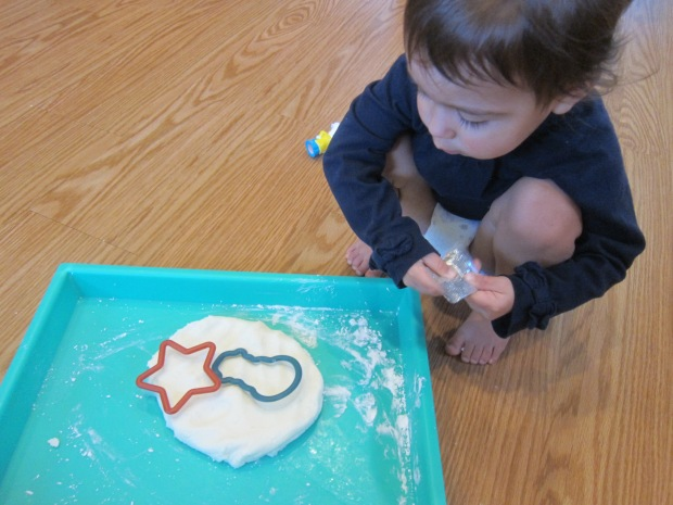 Snowy White Play Dough (1)