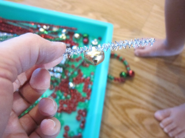 Threading Christmas Pipe Cleaners (11)