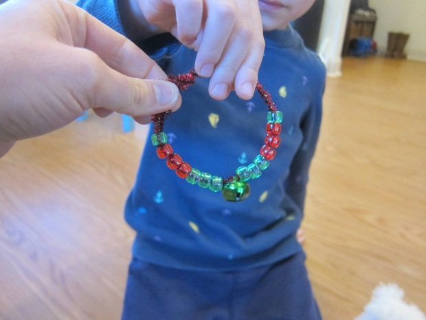 Threading Christmas Pipe Cleaners (4)