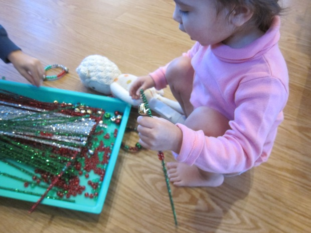 Threading Christmas Pipe Cleaners (9)