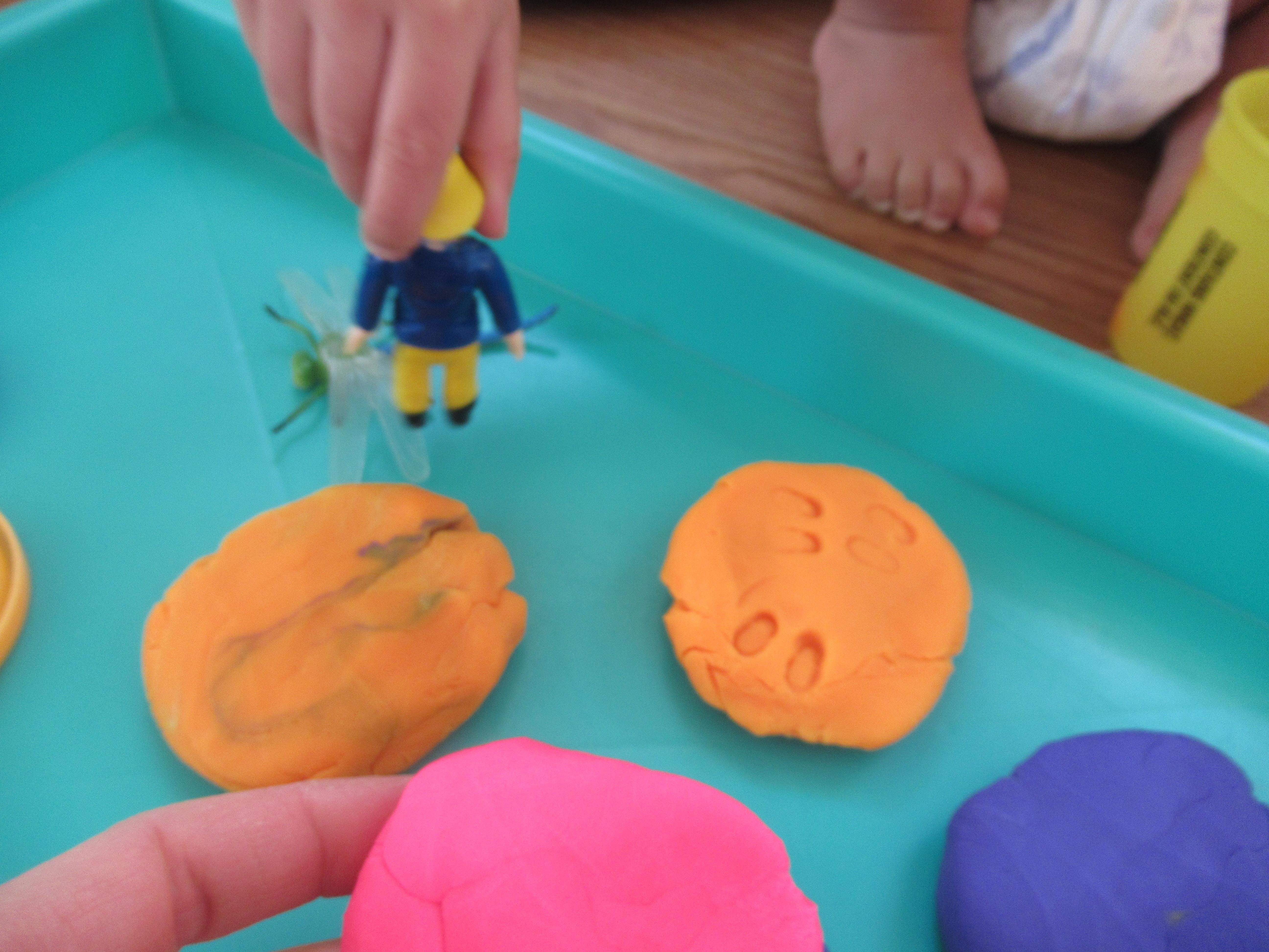 Bug Fossil Play Dough (10)