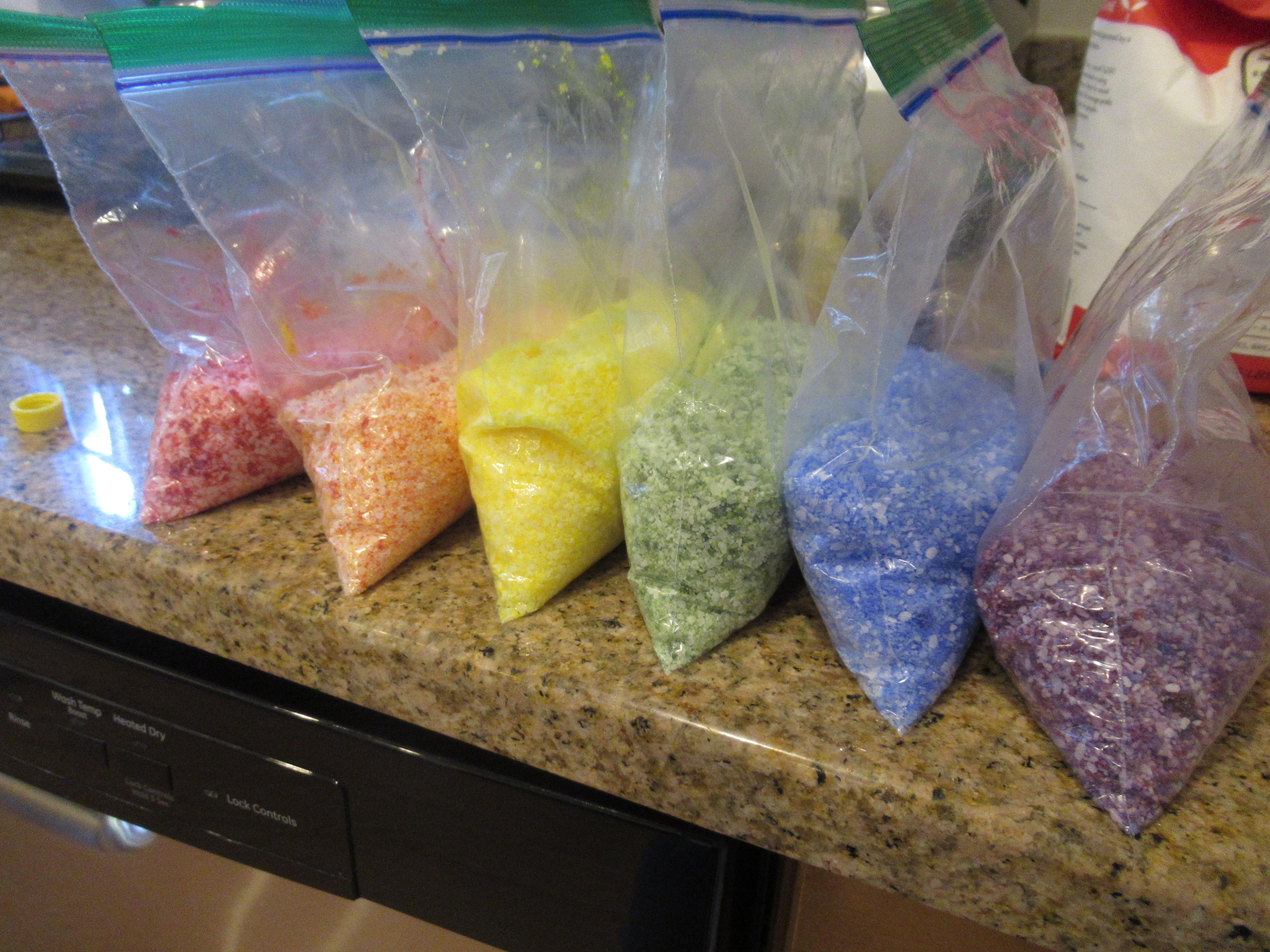 DIY Rainbow Salt (1)