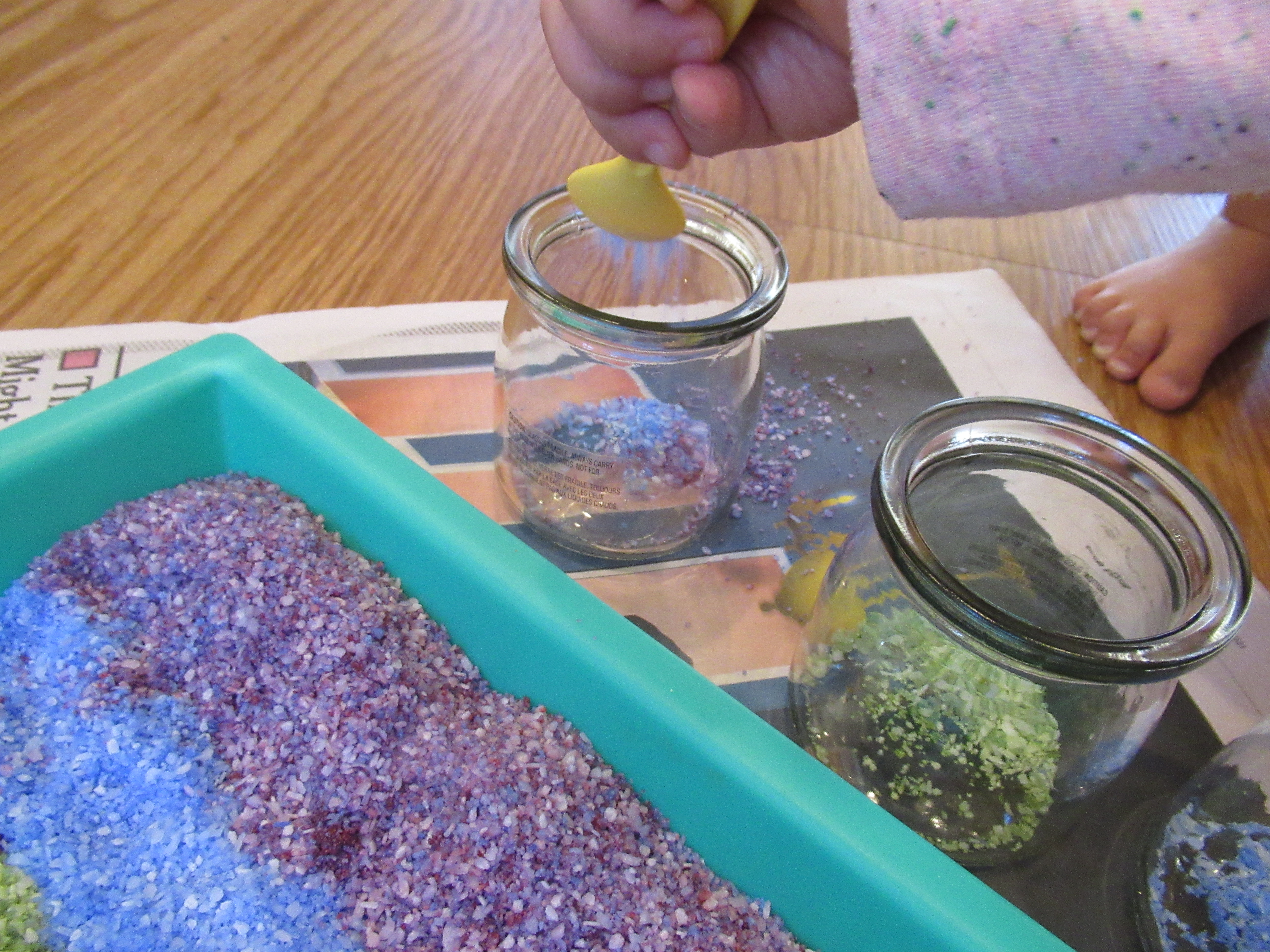 DIY Rainbow Salt (5)