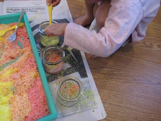 DIY Rainbow Salt (8)
